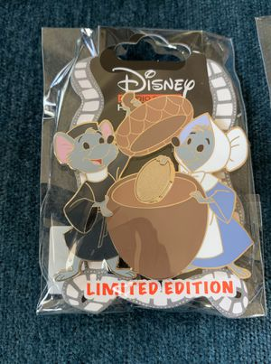 Disney Church Mice Acorn Series LE300 DSSH DSF Robin Hood Pin for Sale in Los Angeles, CA