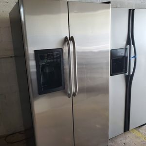 Refrigerator 36inch perfect condition for Sale in Hialeah, FL