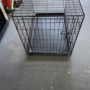 Medium Dog Crate for Sale in Largo, FL