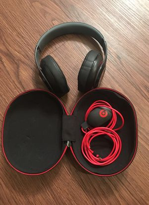 Like NEW Beats by Dr. Dre Studio 2.0 for Sale in Tampa, FL