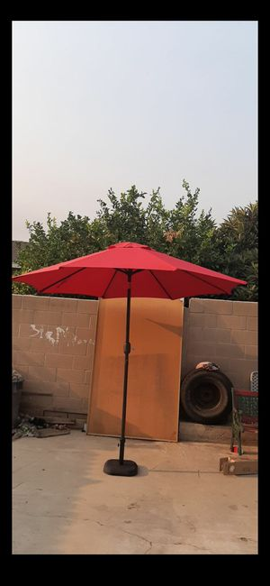 9ft umbrella $$ 50 DOES NOT INCLUDE THE BASE for Sale in Ontario, CA