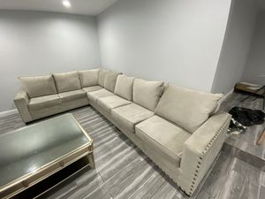 Sectional couch for sale for Sale in Los Angeles, CA