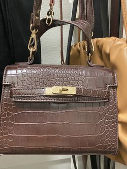 Small Croc Embossed Bag for Sale in Carrollton,  TX