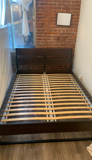 QUEEN SIZE BED FRAME (Pick Up) for Sale in Los Angeles, CA