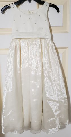 Flower Girl Dress (Size 6) for Sale in Vancouver,  WA