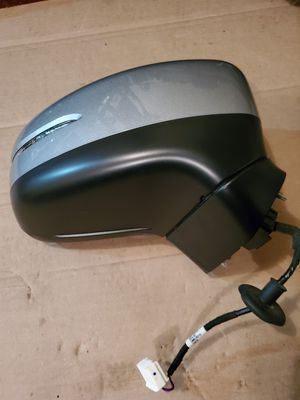 Passenger Front Rigt Door Mirror Assembly Heated Lunar Silver Metallic Honda OEM Part # 76200 THR A41ZC for Sale in Gurnee, IL