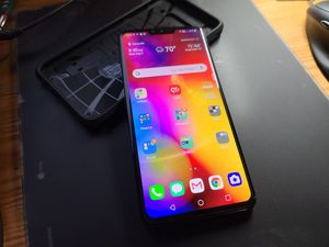LG V40 ThinQ AT&T 64GB Smart Cell Phone for Sale in Columbia, SC