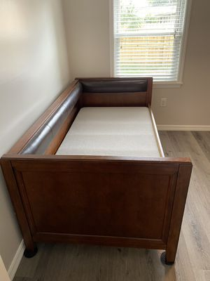 Wood daybed/couch for Sale in Melbourne Beach, FL