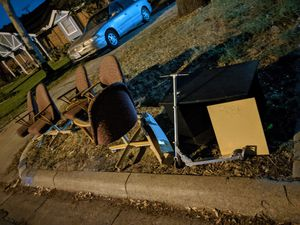 Free stuff on curb for Sale in Arlington, TX