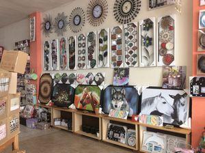 Metal wall decor for Sale in Castro Valley, CA