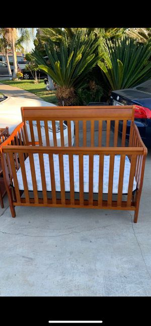 Crib and changing table for Sale in Orange, CA