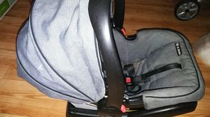 New used 2 times snug rider 35 infant car seat for Sale in Philadelphia, PA