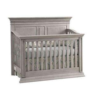 Baby Cache Vienna 4-in-1 Convertible Crib in Ash Grey for Sale in Atlanta, GA