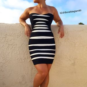 Herve Leger black/white striped strapless dress size XS for Sale in Hermosa Beach, CA