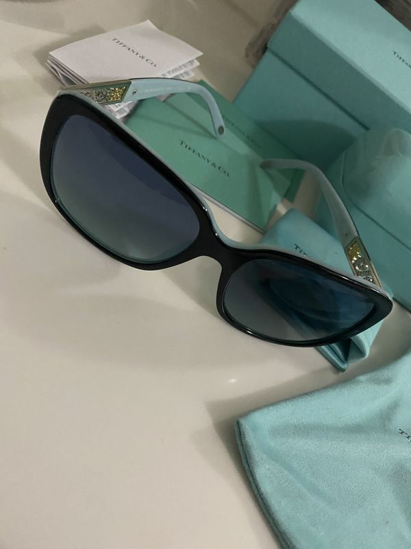 Tiffany sun glasses