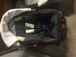 Graco snugride infant car seat for Sale in Kent, OH
