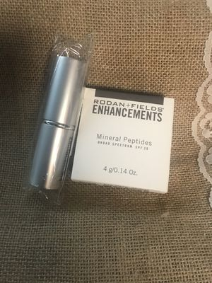 Rodan and Fields Medium Mineral Peptides Powder and Brush for Sale in Hacienda Heights, CA