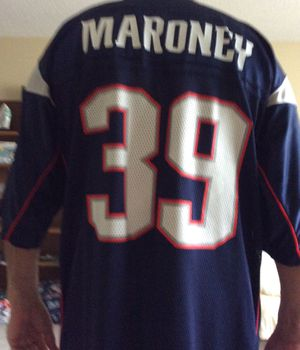 Reebok Patriots NFL Jersey, X-Large Size, # 39 Maroney, Great Running Back for the Patriots ! for Sale in Pinellas Park, FL