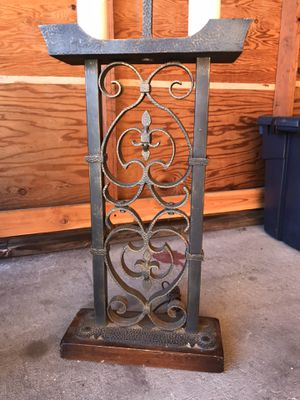 Pair of really large, vintage iron lamp stand with hammered work.. Perfect condition for Sale in Renton, WA