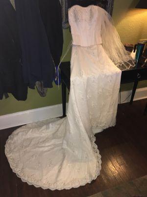 Wedding dress. Oleg Cassini. Beautiful for Sale in Knoxville, TN