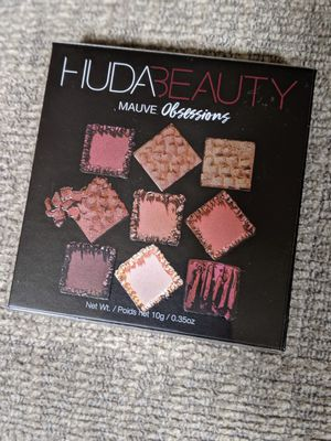 Huda mauves obsessions palette for Sale in Arroyo Grande, CA