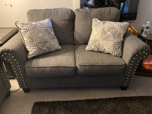 Couch set and tv stand for Sale in Baltic, CT