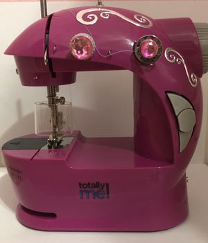 Totally me! Small sewing machine with foot pedal for Sale in Miami, FL
