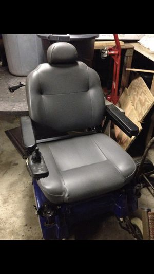 Electric 1170 jazzy wheelchair for Sale in Kildeer, IL
