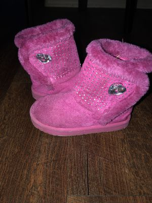 Girls Soft Pink & Fuzzy Boots Size 10 for Sale in Chandler, AZ