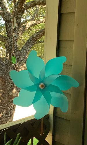 4ft teal/turquoise pin wheel for Sale in San Antonio, TX