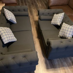 VINTAGEGLAM CHESTERFIELD NAILHEAD SOFA LOVE SEAT SET / SILLONES NEGRO 3 SetAnd Loveseat Chair for Sale in Fontana, CA