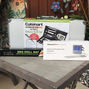 BBQ Grill Set Accessories Bundle for Sale in Fort Lauderdale, FL