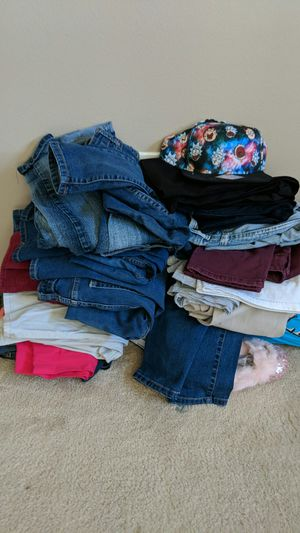 Jeans size 3-5 mostly 5 for Sale in Tampa, FL