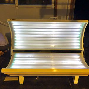 Lay down tanning bed for Sale in Hamden, CT