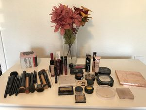 MAKEUP only brushes sold for Sale in Turlock, CA