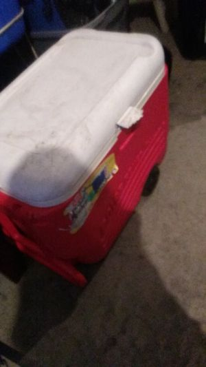 RED 60 QT. IGLOO COOLER OMN WHEELS. for Sale in Reynoldsburg, OH
