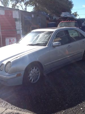 2000 Mercedes E 320 PARTS for Sale in Philadelphia, PA