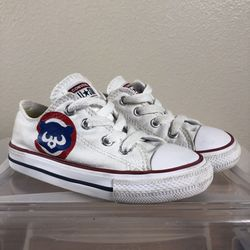Low Top Converse All Star White Chicago Cubs Kids 8 for Sale in West Linn,  OR