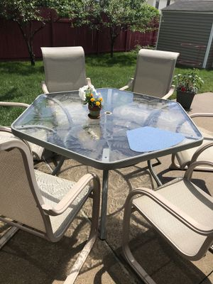 Patio dining set for Sale in Sterling Heights, MI
