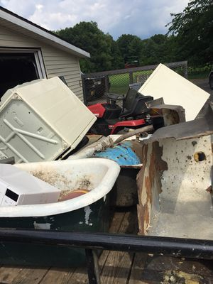 I will pick up free scrap and vehicles for Sale in Dowagiac, MI
