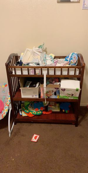 Crib and changing table for Sale in Lemoore, CA
