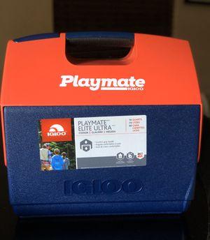 Playmate Elite Ultra Igloo cooler 16qt for Sale in Miami, FL