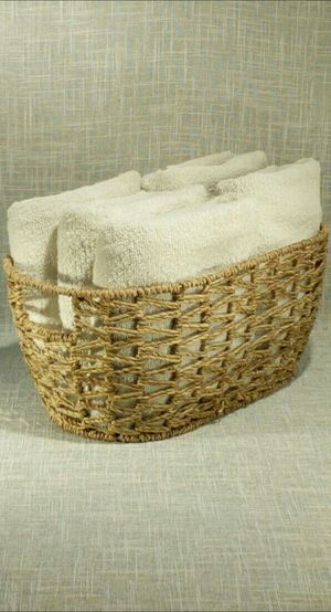 """Woven Handled Basket (towels not included) 15""""x9""""x6"""" *PICKUP ONLY*- home decor, household for Sale in Mesa, AZ"""