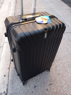 """Travel Suitcase Hard Case Polycarbonate 8 Wheels Tsa Lock 30"""" Good For 70 Pounds Expandable new top quality by wisdom for Sale in Miami, FL"""