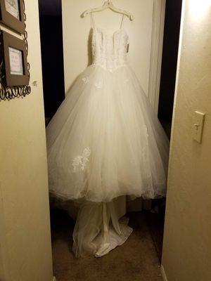 Wedding Dress & Vail for Sale in El Cajon, CA