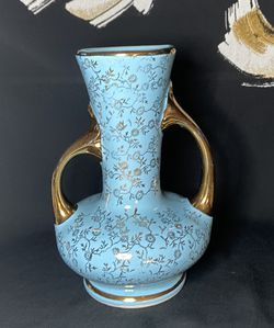 Vintage Pearl China Co Bud Vase for Sale in Pompano Beach,  FL