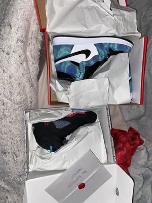 Jordan retro 1 and 5 for Sale in Lawrenceville, GA