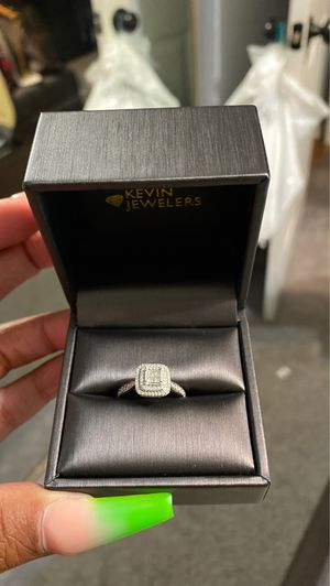 Engagement ring real diamonds for Sale in Etiwanda, CA