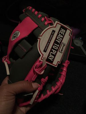 Toddler baseball glove for Sale in Cleveland, OH