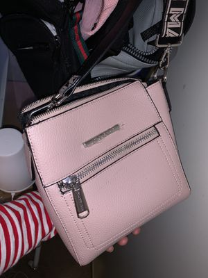 Steven Madden Pink Messenger Bag for Sale in Santa Clarita, CA
